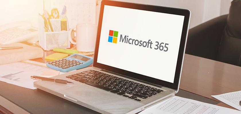 Ordinateur portable utilisant Microsoft 365