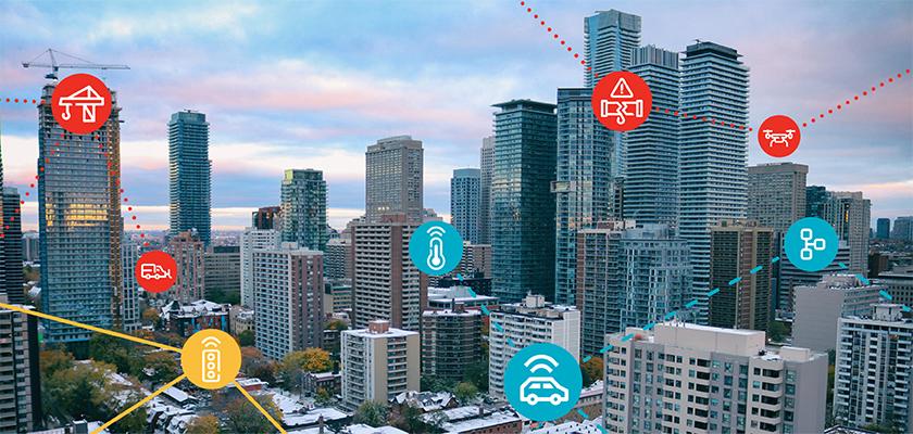 ligne d'horizon de la ville avec des icônes de technologie