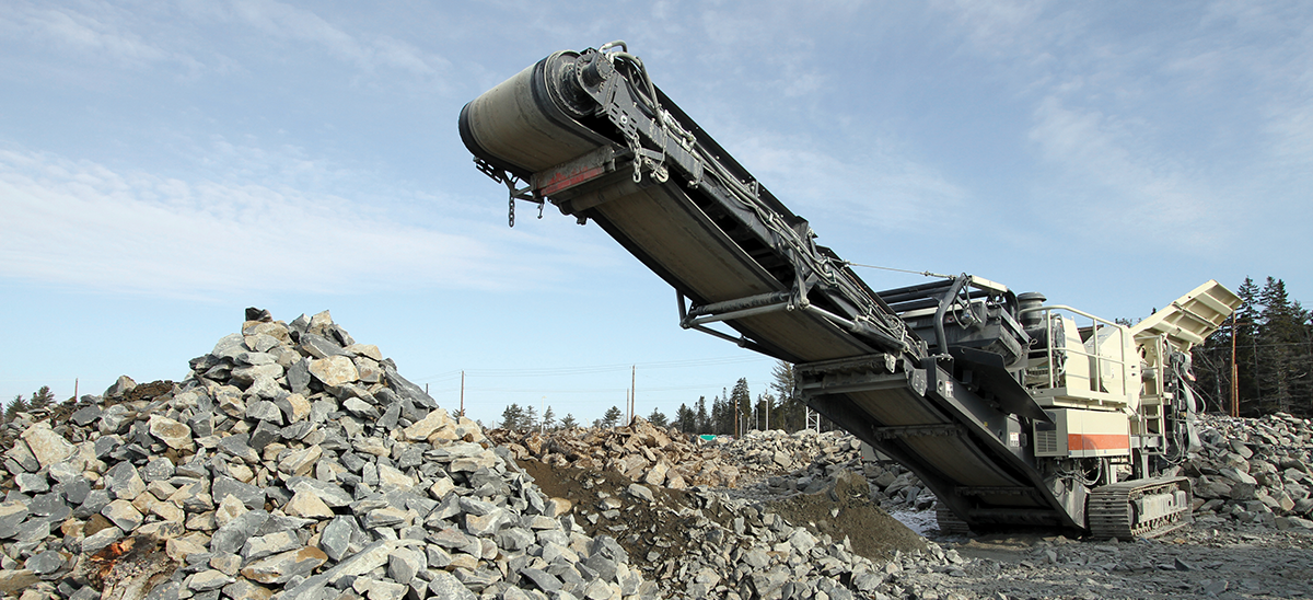 Mobile crusher and rock pile