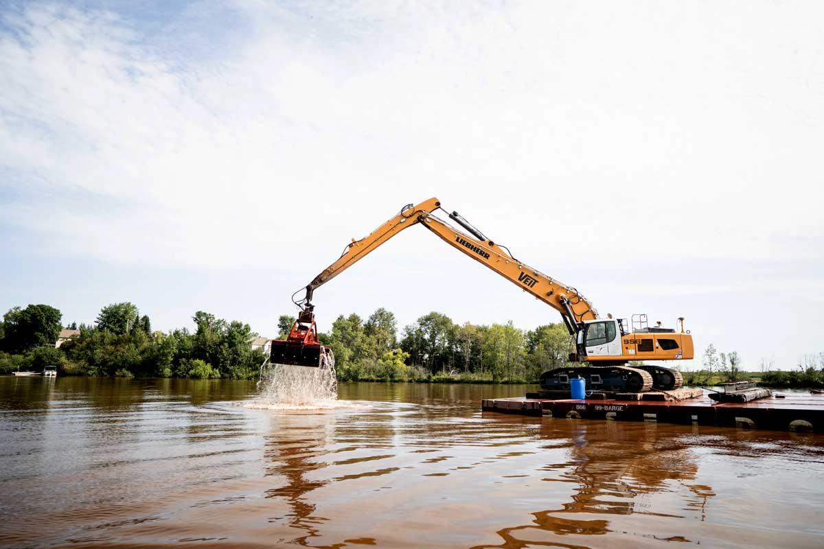 excavator dredging