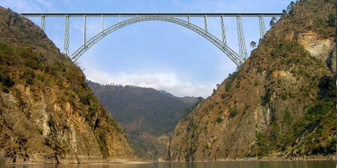 In Nordindien entsteht mit Tekla Structures und Bridge Information Modeling die weltweit höchste und längste Eisenbahnbrücke über dem Fluß Chenab.