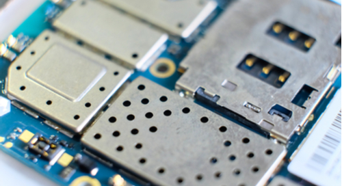 Preventing power and EM analysis with PCB shielding