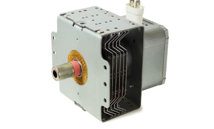 Cavity resonator-based magnetron tube