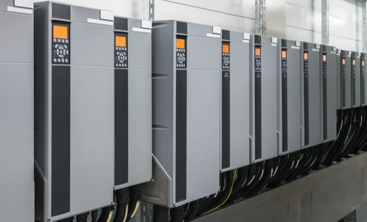 Large converters using asymmetric interleaving
