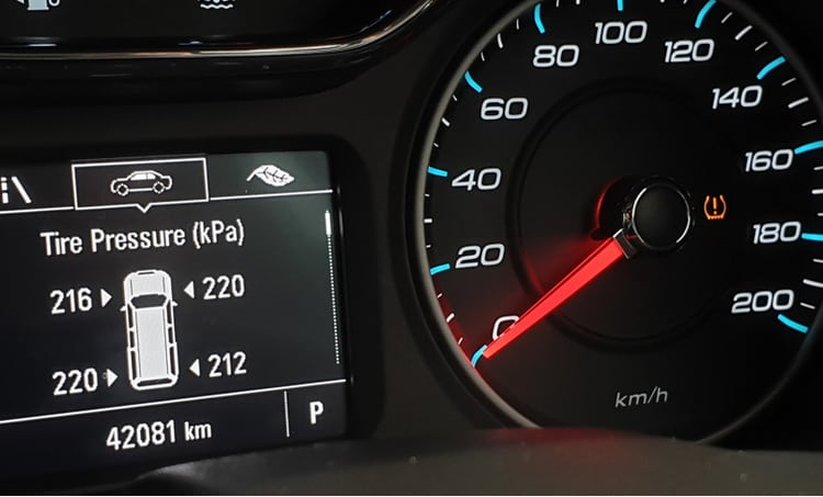 Automotive pressure gauge