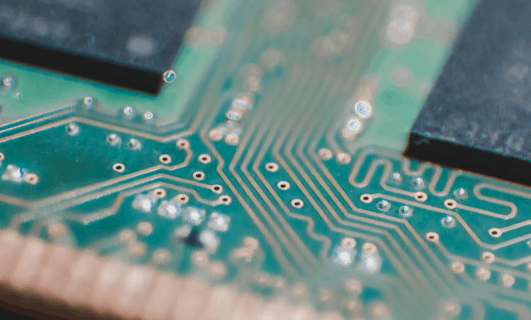 High-frequency PCB trace