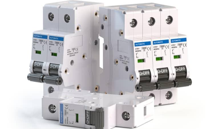 Circuit breaker switching capacity