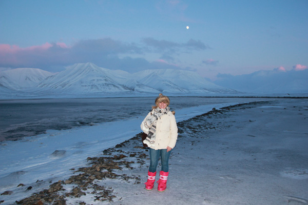 Twilight at Adventfjorden, Svalbard. Photo credit: Jennifer Dombrowski