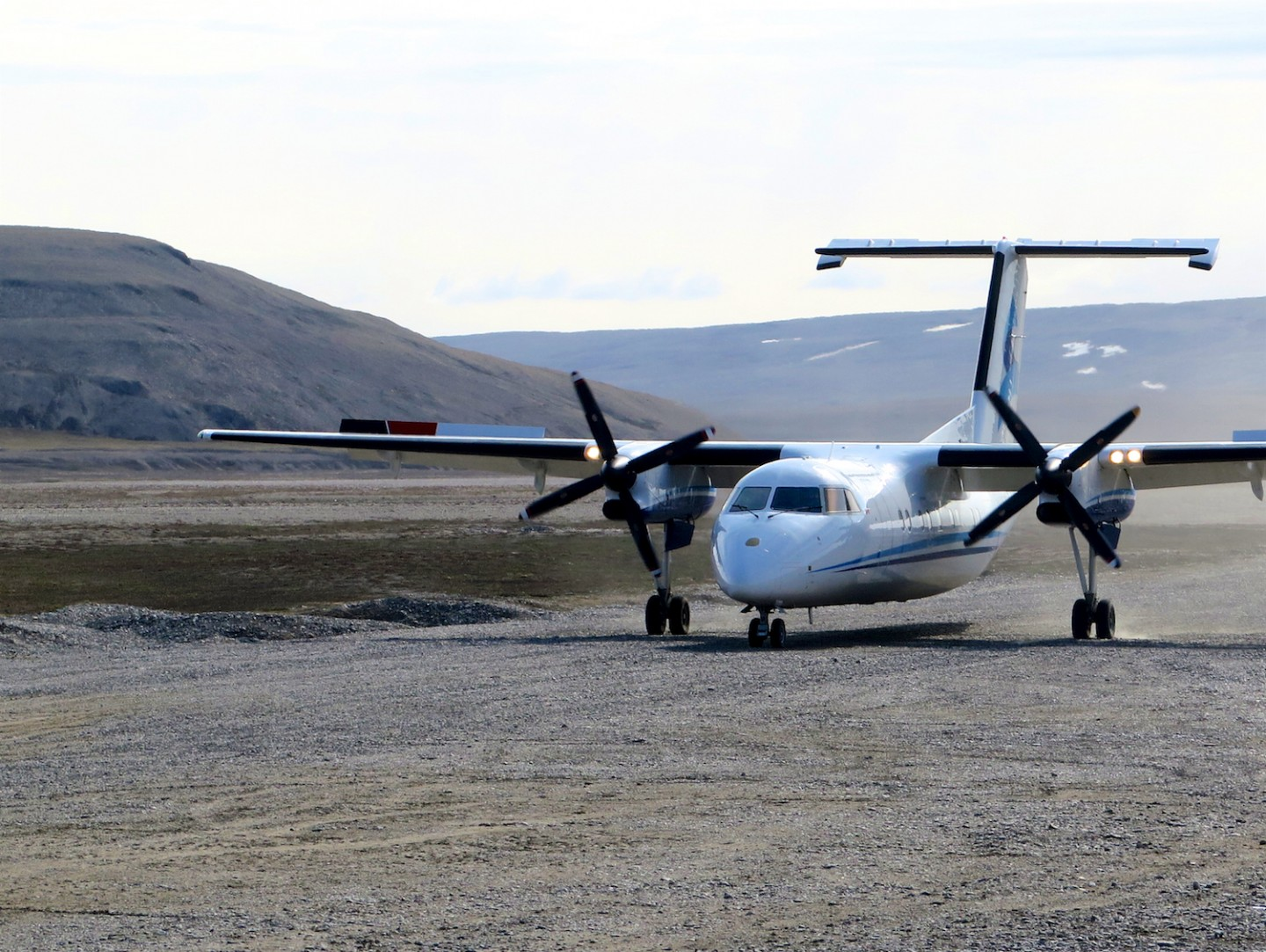 Aircraft landing near the lodge at Arctic Watch