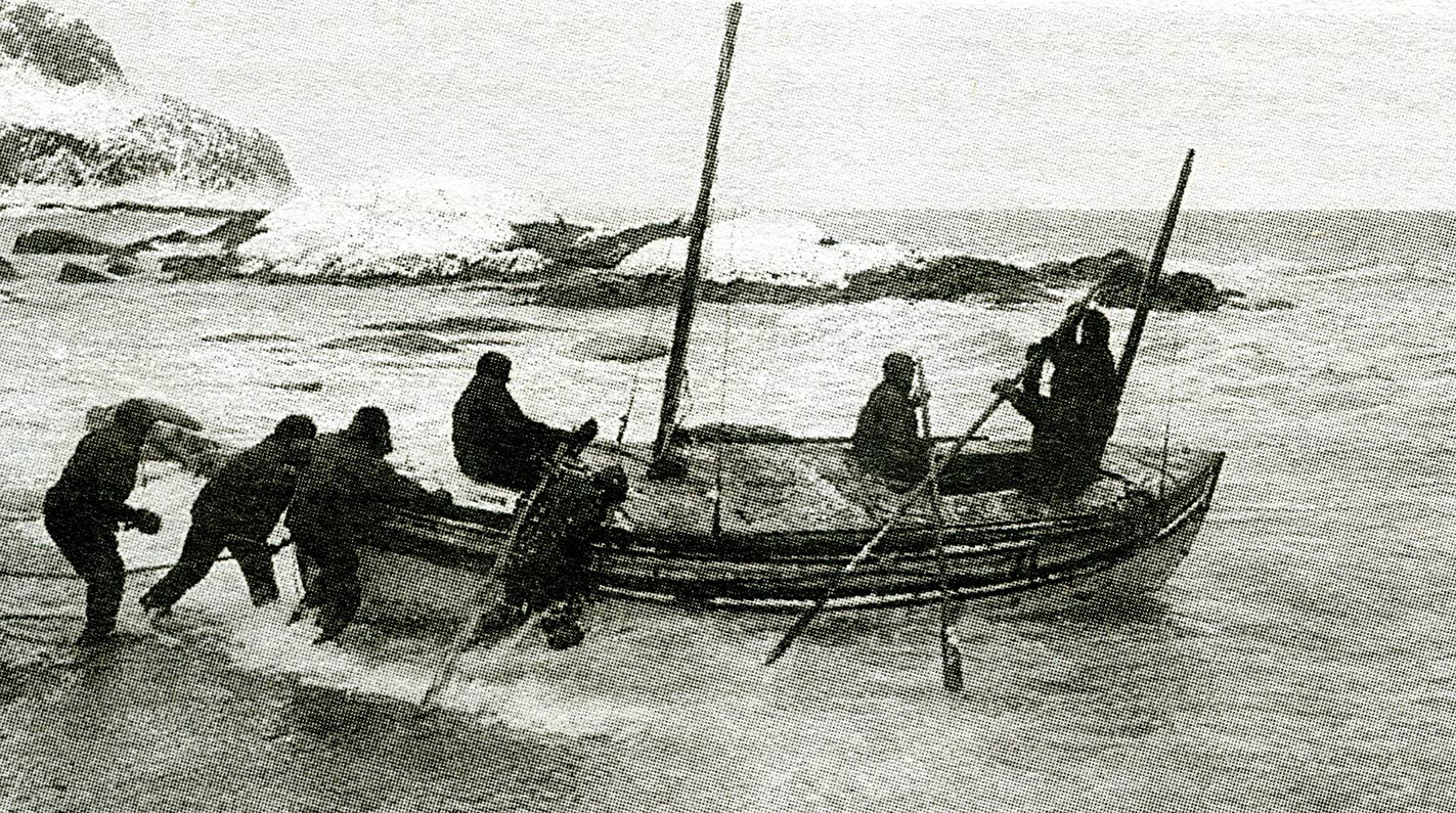 hackleton and his small crew depart the rugged shores of Elephant Island