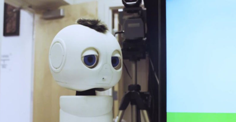 A robot that teaches deaf children how to communicate