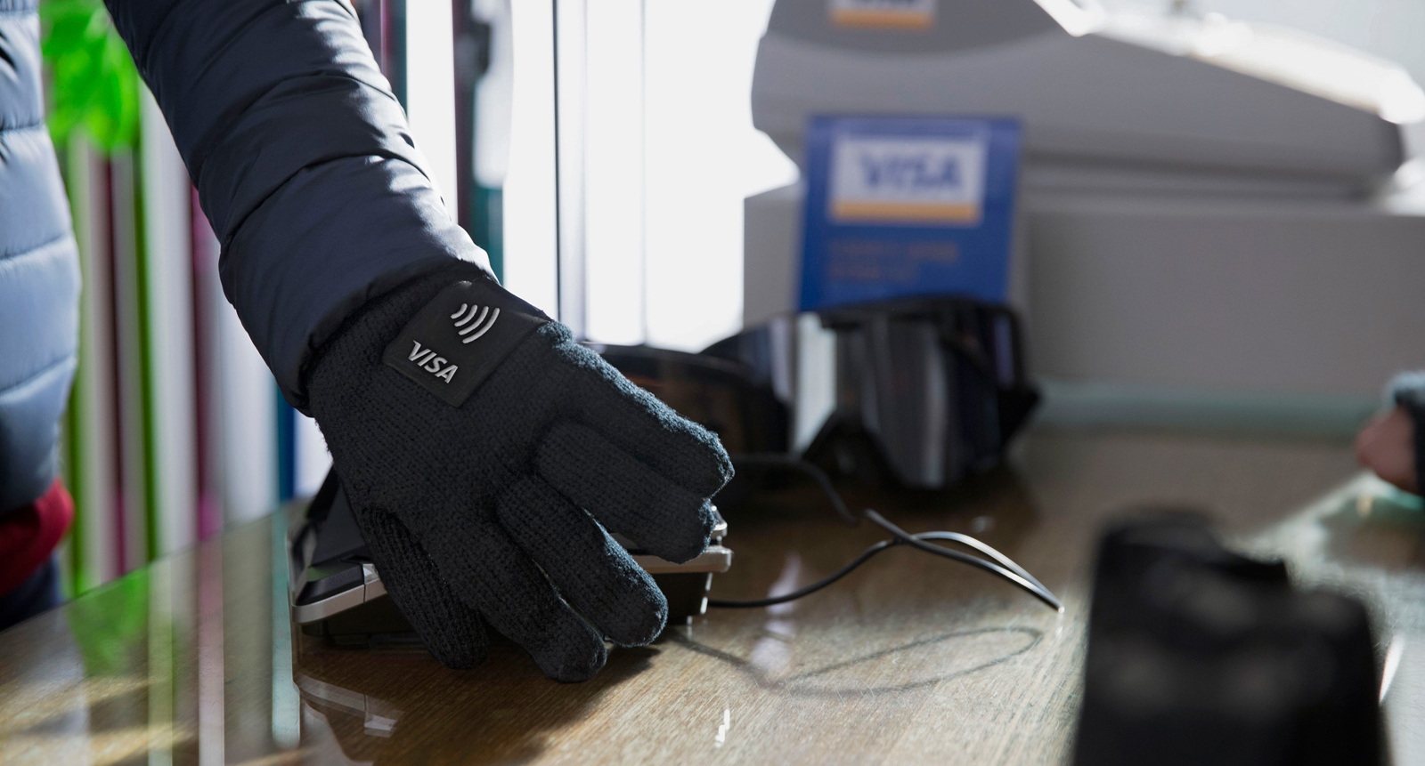 Pay with Visa winter gloves