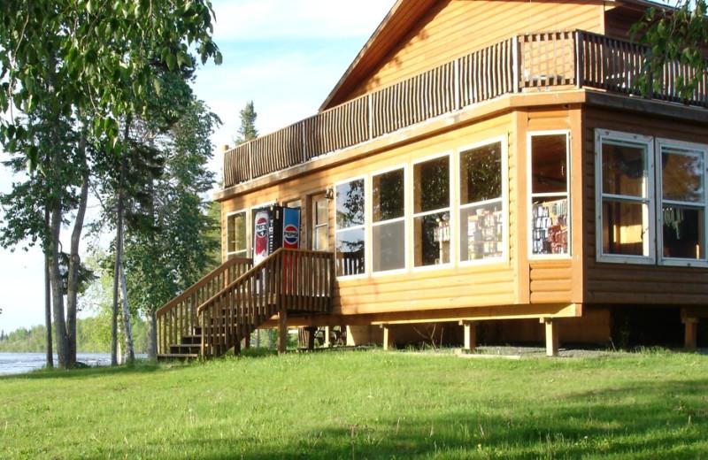 Gods River Lodge