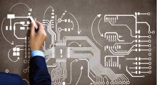人とPCB回路の作図