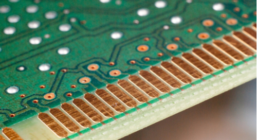 Connector pads at the edge of a PCB
