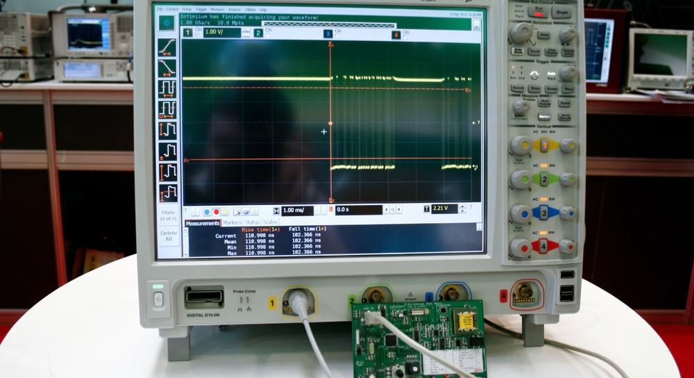 Digital signal output on an oscilloscope.
