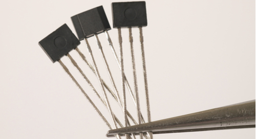 Tweezers holding a few magnetic sensors