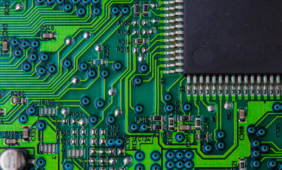 Differential pairs and vias on a green PCB