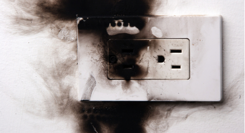 Electrical failure in a power outlet