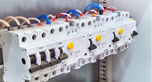 Modular circuit breakers in an electrical cabinet
