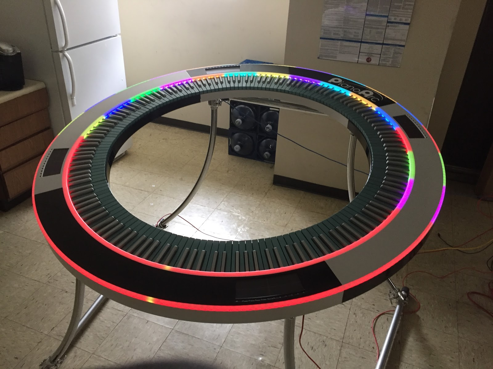 Pianoarc with neon light set