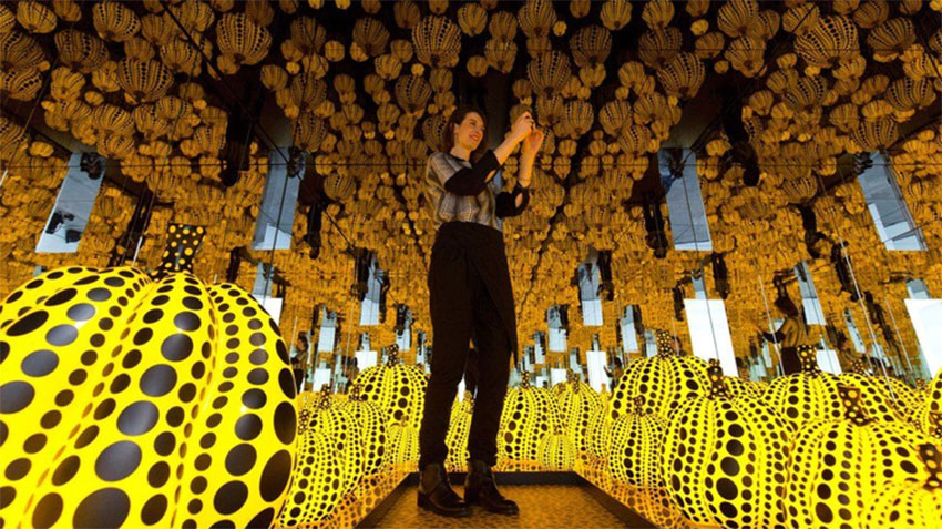 Yayoi Kusama's Infinity Room