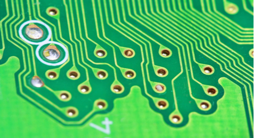 Grüne Nahaufnahme einer Leiterplatte