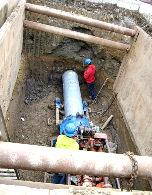 A pit with horizontal drilling