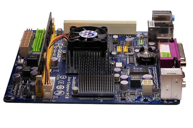 Los disipadores de calor SMT pueden ayudar a mantener su PCB fresca cuando se colocan correctamente.