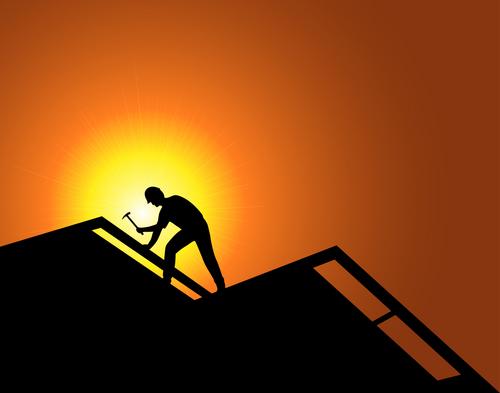 trabajador en el techo