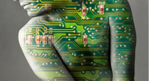 circuit imprimé sur un humain