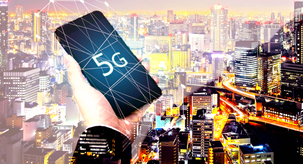 smartphone avec 5G à l'écran
