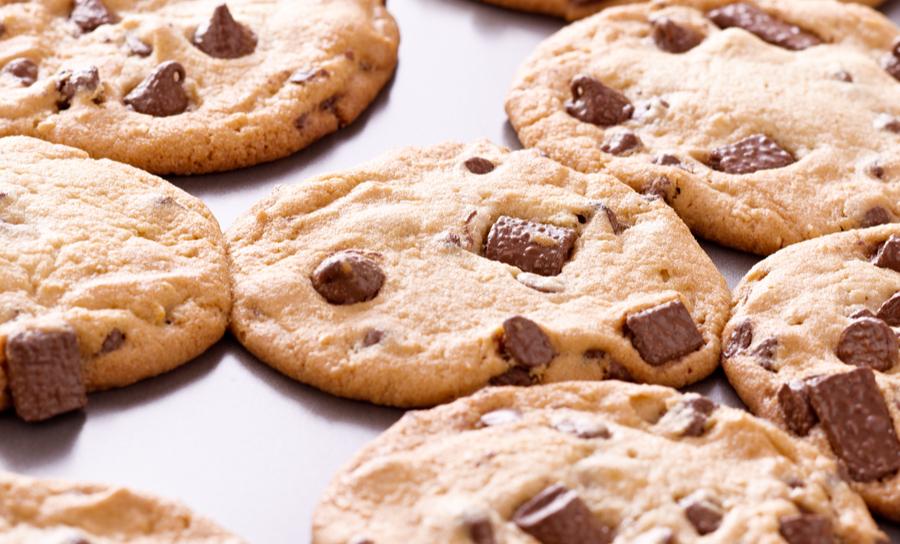 Cookies sur une plaque de cuisson