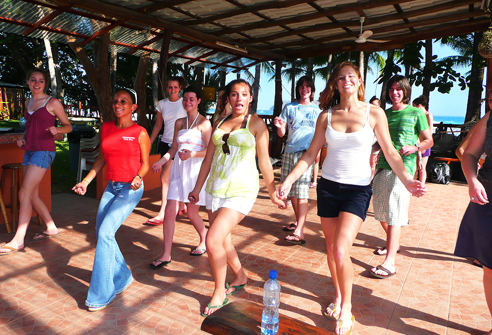 Tourists taking a dance lesson in Puerto Rico