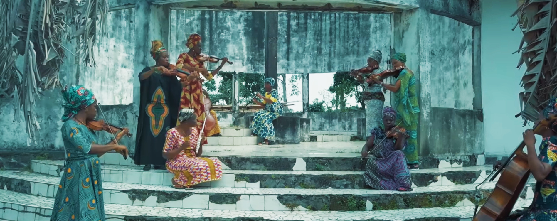Congolese all-female ensemble, Romance de l'O.S.K., performing