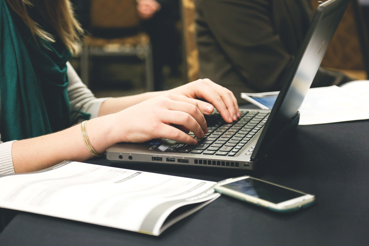 selling laptop sales