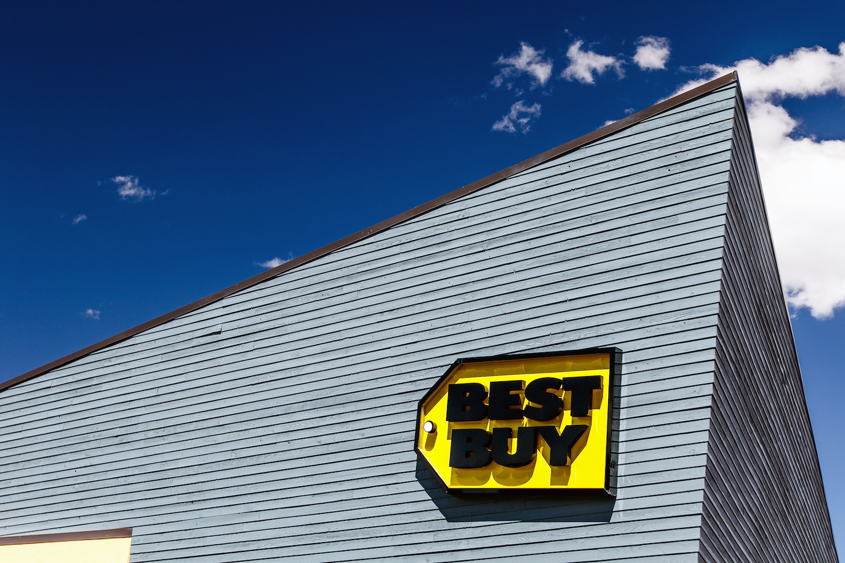 Best Buy has mastered the omnichannel buyer's journey to support their customers