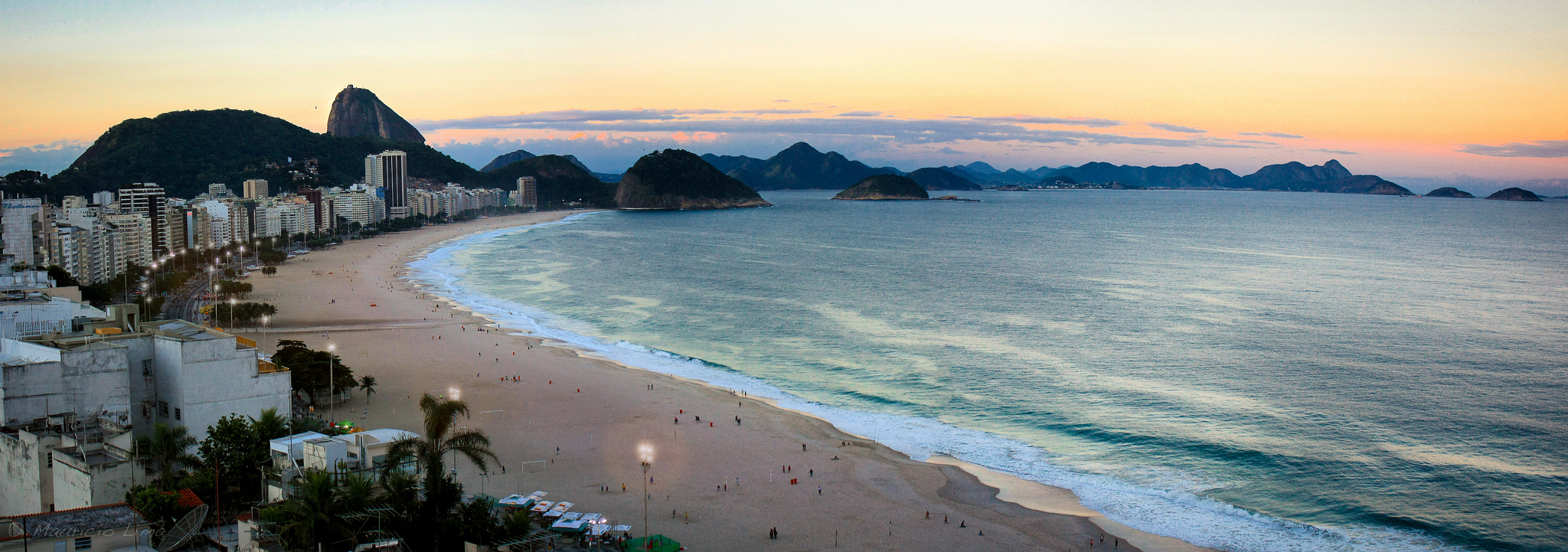 Copacabana, Rio de Janeiro, Brazil - photo by Lima Pix - used under Creative Commons license