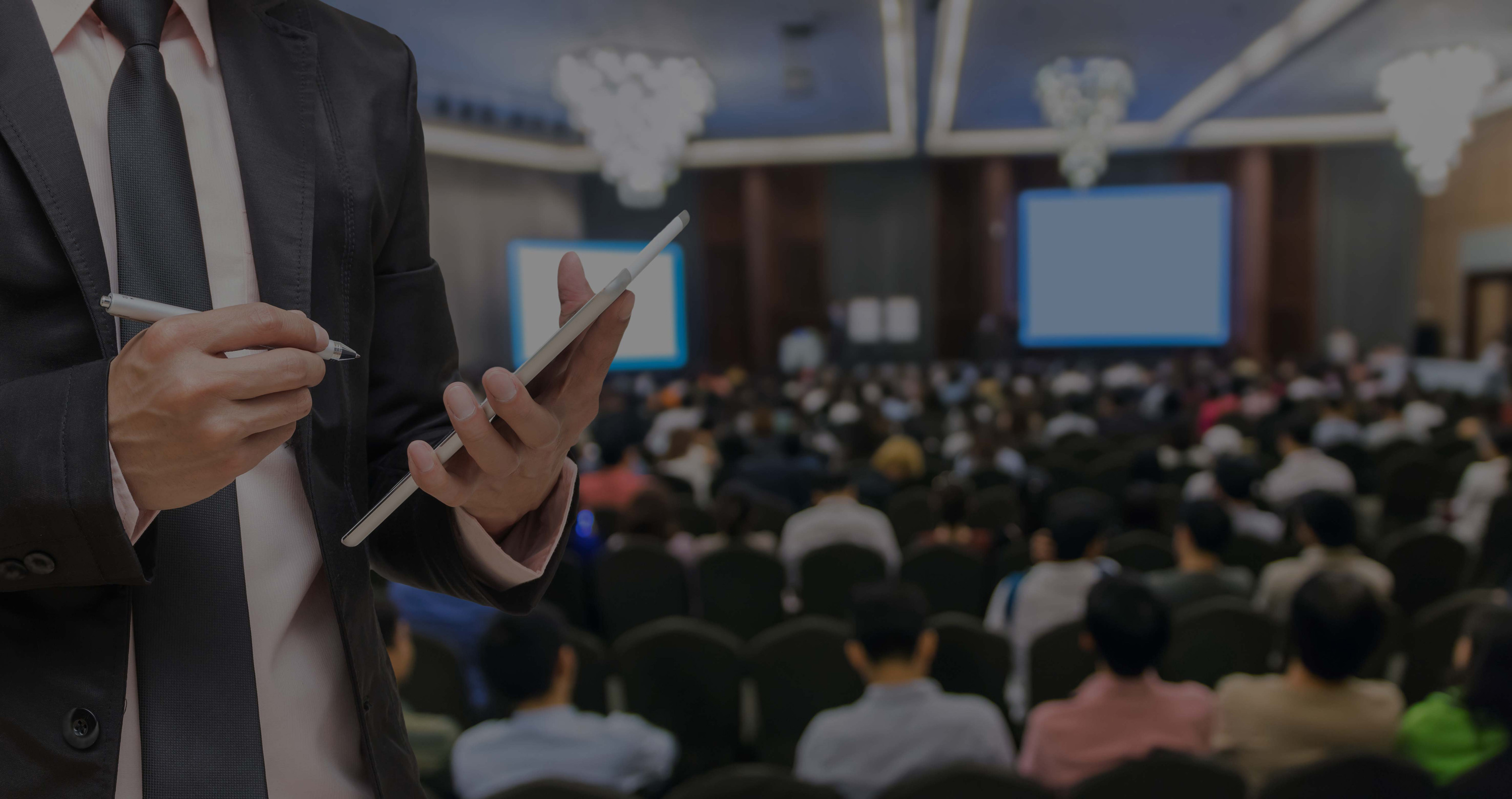 AP professional at a B2B payments conference