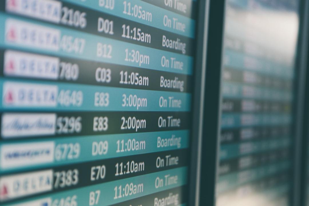 flight board destination israel