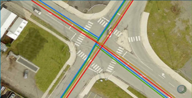 Capture d'écran de deux cartes montrant des intersections sur lesquelles se superposent des renseignements.