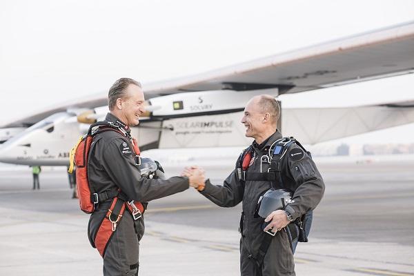 Piloti Solar Impulse 2
