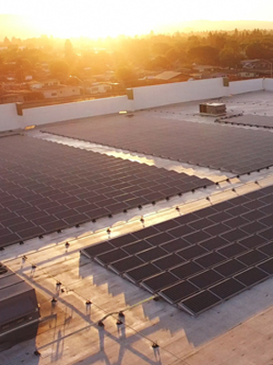 Rooftop commercial solar installation