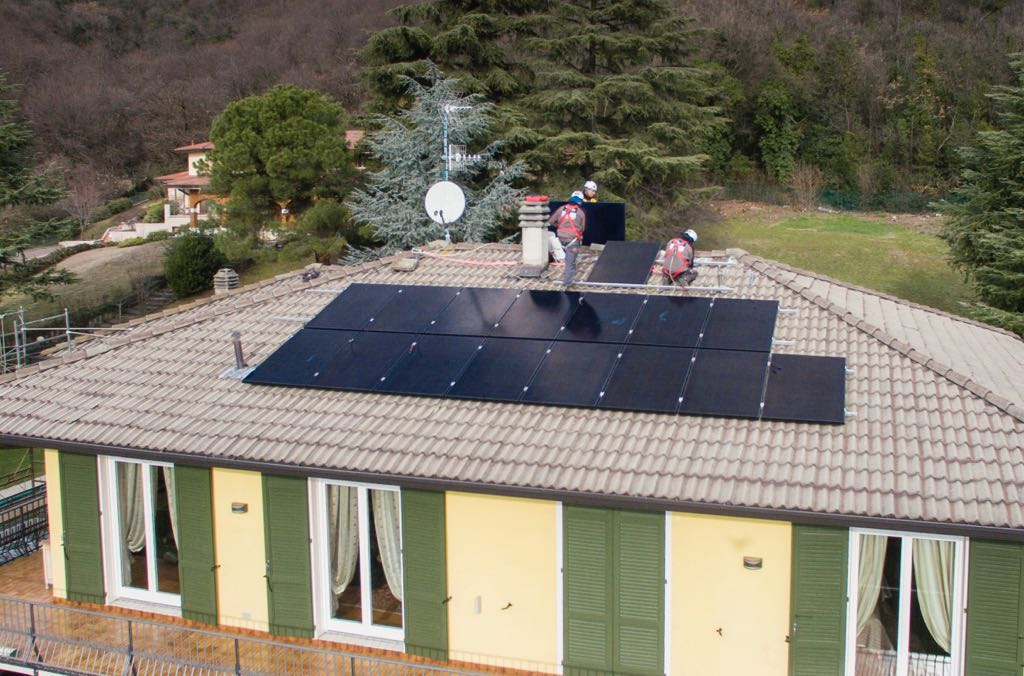 pannelli solari sul tetto di casa