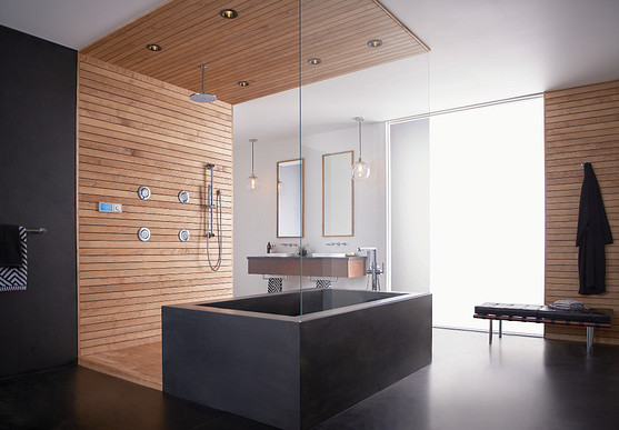 Five touches to create a luxurious bathroom.