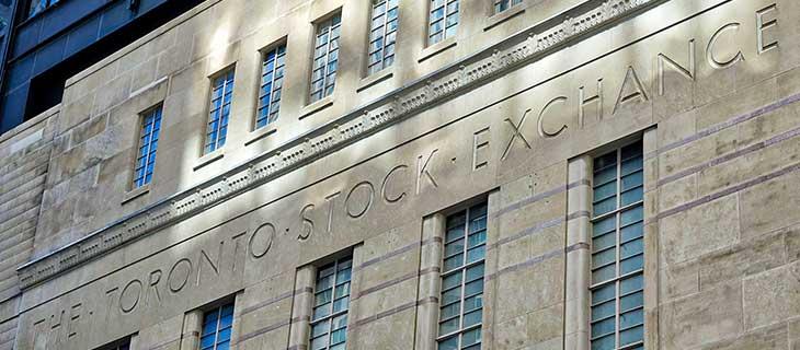 La bourse de Toronto engravée sur un édifice.