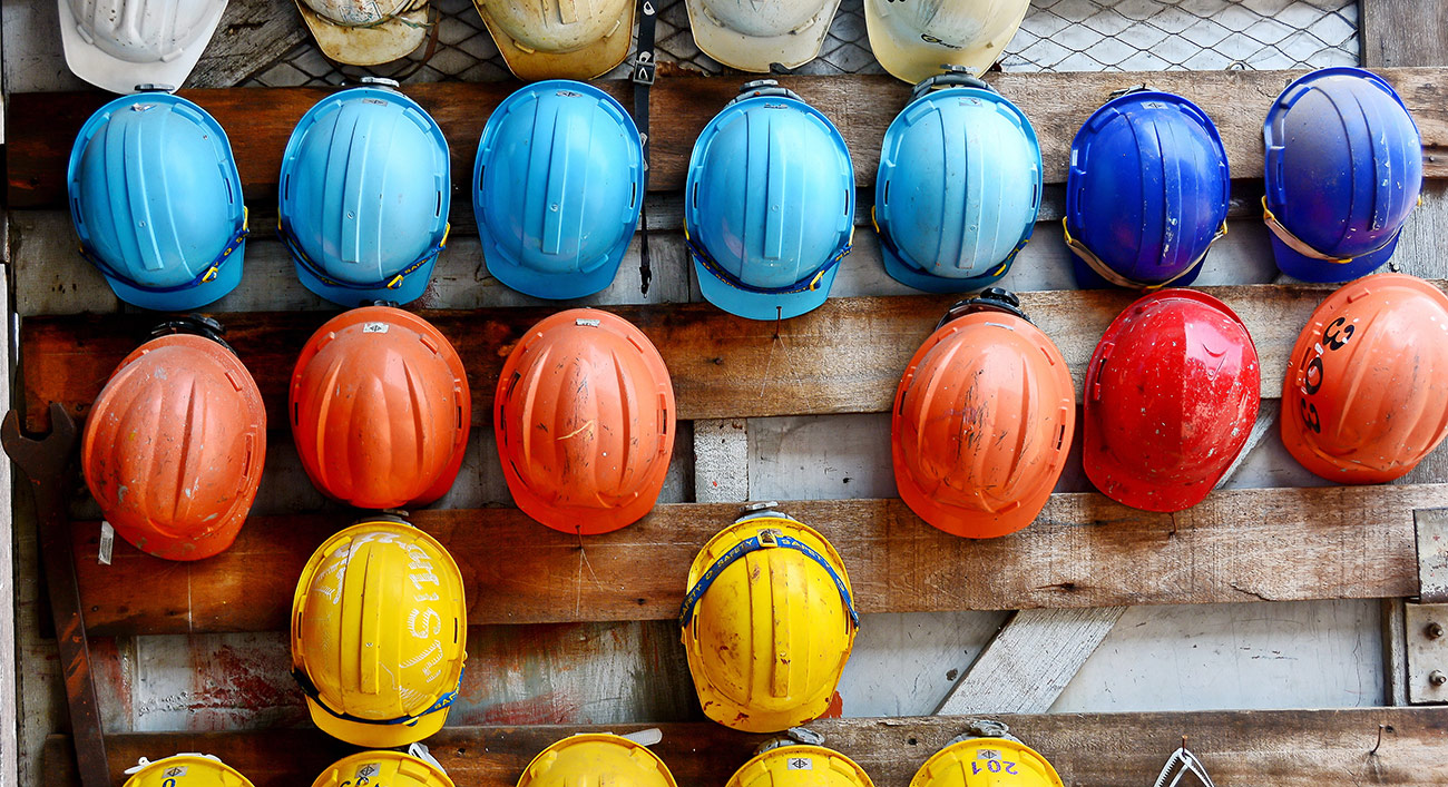 What coloured hard hat should you be wearing onsite?