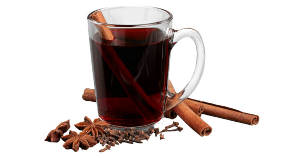 Mulled wine with cinnamon and colves