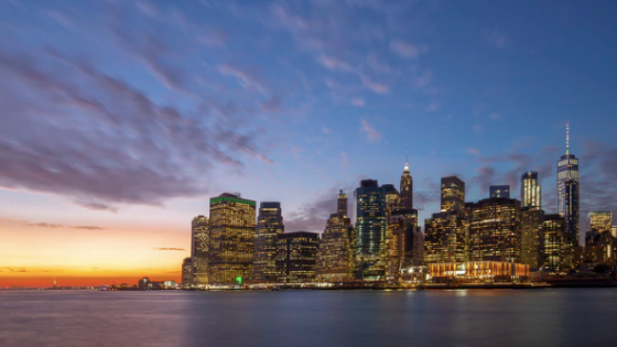 The Hudson River in New York City and the Manhattan skyline at sunset
