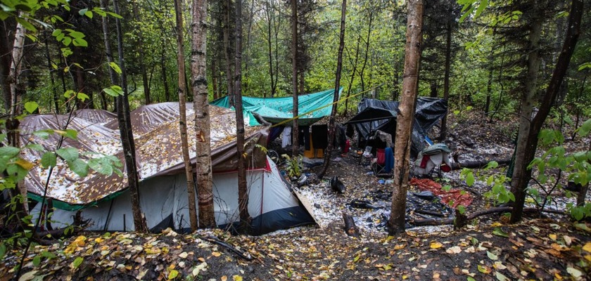 alaska-homeless-outdoors